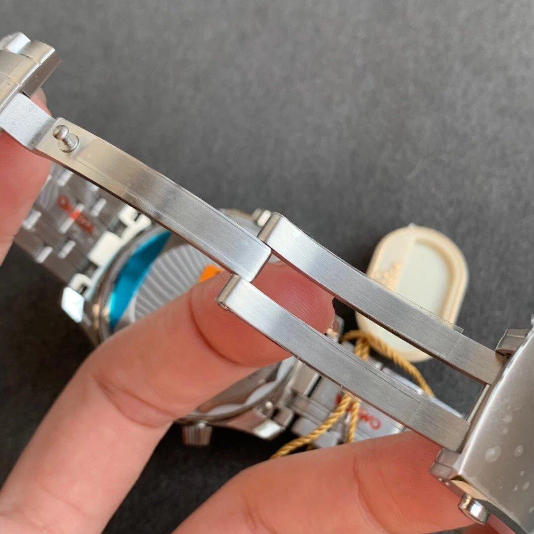 OR欧米茄海马系列210.30.42.20.04.001钢带300米潜水8800机芯自动机械42毫米