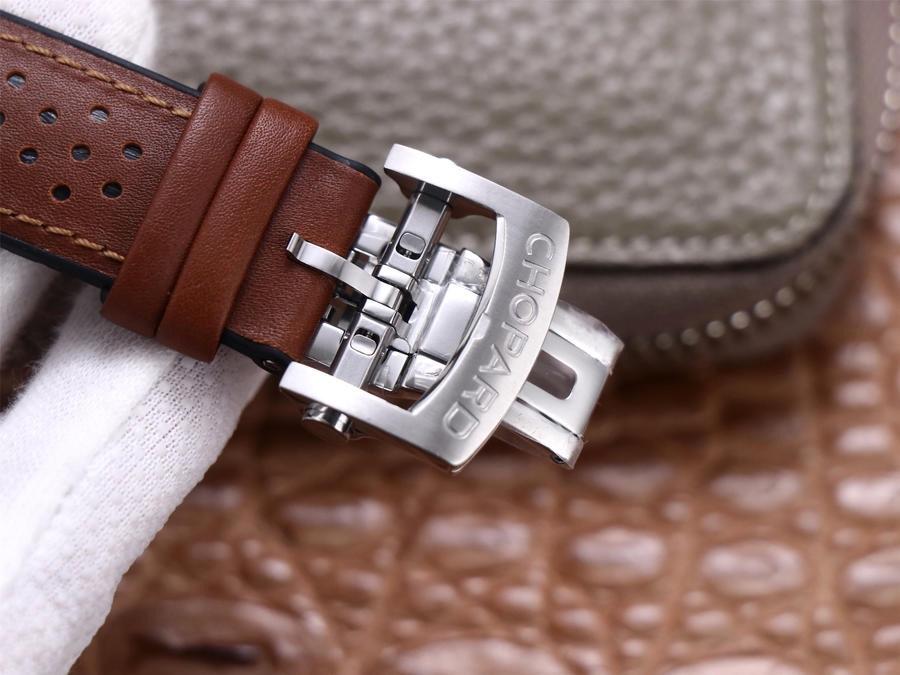 V7萧邦赛车系列精品,直径44mm,厚度14mm,小牛皮内衬天然纯进口橡胶表带,自动机械机芯,密底,男士腕表