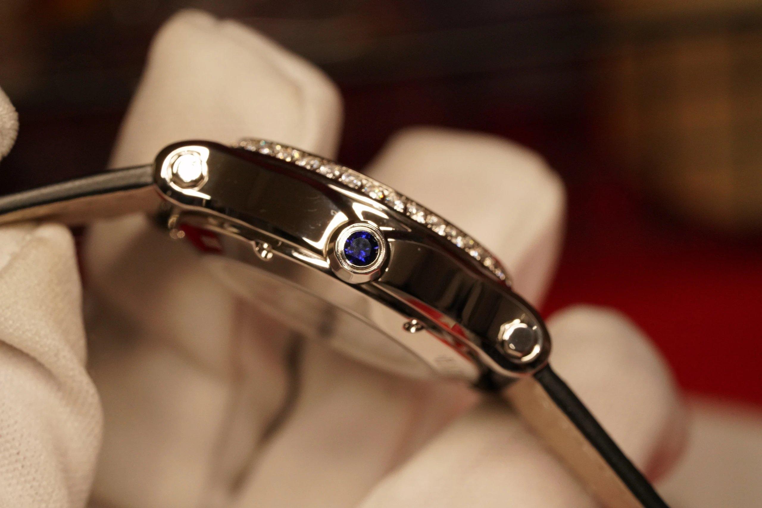 """ZF最高版本萧邦快乐钻33mm这个尺寸简直不要太完美…之前出的30太小36又太大、现在不用纠结尺寸了,快乐无忧!瑞士壳厂打磨精细壳套舞动的快乐钻石""""有金有钻""""寓意有进有赚。钻石恒久远"""