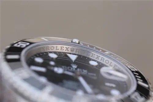 全新升级!VRFactoryMAX版劳力士潜航者SUBMARINE黑水鬼全新升级,整体提升全身表壳表带的精亮度,修正铂金涂层底色为冰白珠光色搭配真正的铂金涂层,完美还原正品表圈涂层颜色